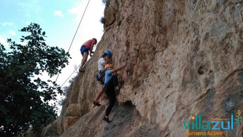Escalada Iniciación Jornada Completa. Villazul Turismo Activo Cabo de Gata