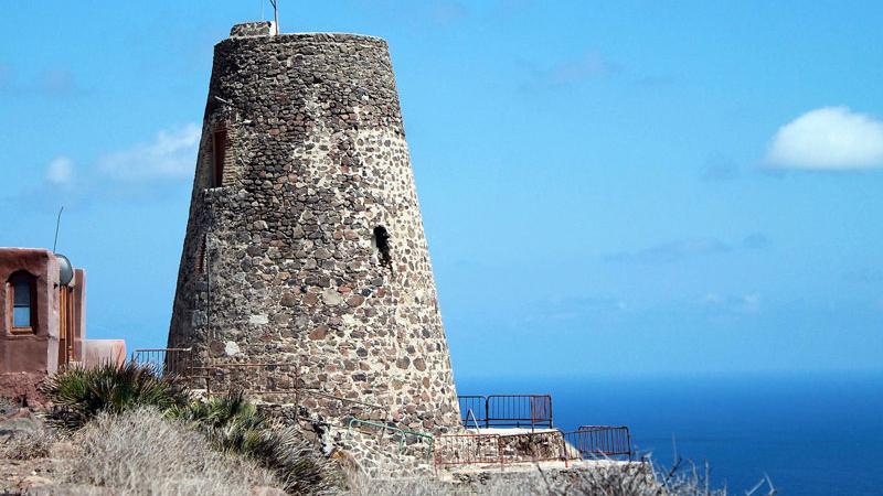 Construcción defensiva - Torre de la Vela Blanca