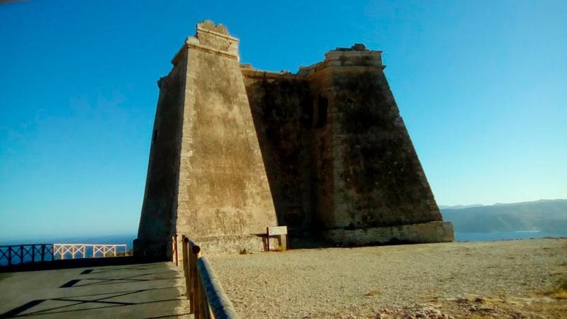 Fortificación en Cabo de Gata - Torre Mesa Roldán